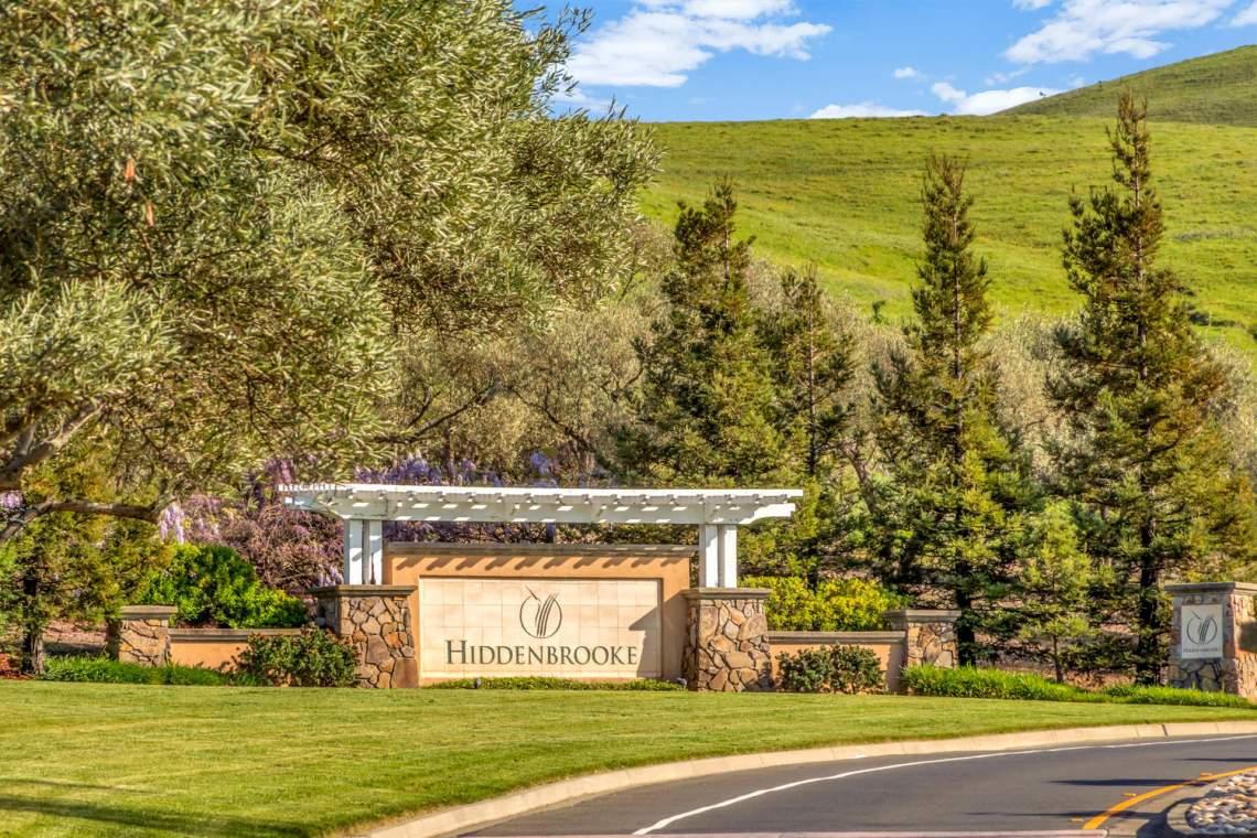 2752-Olivewood-Ln-Vallejo-CA-large-056-64-Hiddenbrook-15-1500x1000-72dpi