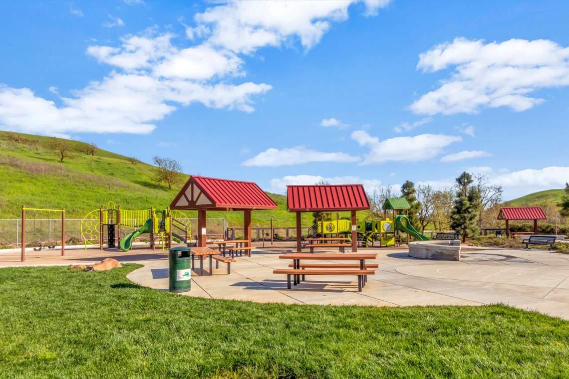 2752-Olivewood-Ln-Vallejo-CA-large-065-63-Hiddenbrook-9-1500x1000-72dpi